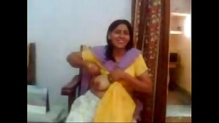 Bhabhi Showing Boobs To Devar